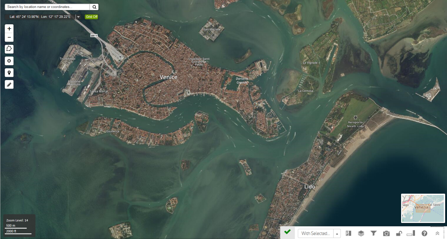 Example of a mosaic of Venice in DigitalGlobe Basemap