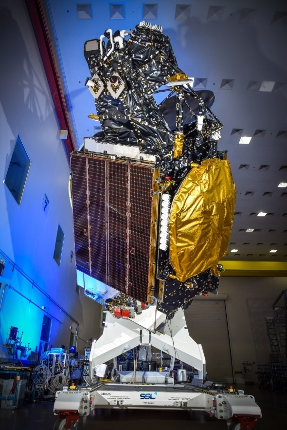 Hispasat 30W-6 in launch configuration